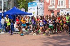 瓦尔纳保加利亚5月07日2017国际连续马拉松 库存图片