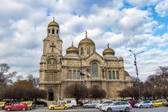 瓦尔纳大教堂蓝天,保加利亚14 12 2017年 免版税库存图片