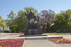 瓦尔纳,保加利亚- 2015年4月11日:对卡洛扬国王的纪念碑 免版税图库摄影