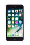 瓦尔纳,保加利亚- 2016年12月, 04日:被隔绝的Iphone 7正黑色 免版税库存图片
