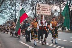 瓦尔纳,保加利亚- 2016年3月26日:传统春天狂欢节 库存照片