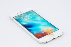 瓦尔纳,保加利亚- 2015年11月17日:手机模型Iphone 6s 免版税库存照片
