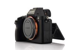 瓦尔纳,保加利亚- 2月02,2017 :阿尔法a7R II Mirrorless数字照相机 免版税图库摄影