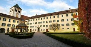瓦尔纳BZ 2017年11月2日:Novacella修道院,南蒂罗尔, Bressanone,意大利 库存照片
