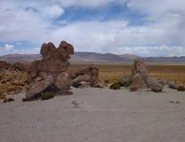 瓦尔de与超现实的冰砾的las rocas在玻利维亚的altiplano 库存照片