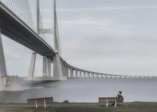 瓦斯科・达伽马桥梁是在Parque das Naç跨过塔霍河高架桥和rangeviews侧的一座缆绳被停留的桥梁 免版税库存图片