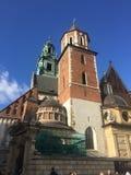 瓦维尔山城堡夏天波兰天空蔚蓝 库存图片