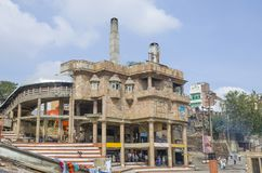瓦腊纳西建筑学ghat城市人的一个火葬场 免版税库存照片