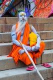 瓦腊纳西,印度- 10月1 :与传统的一未认出的sadhu 免版税图库摄影
