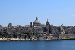 瓦莱塔看法从斯利马江边,马耳他的 免版税库存图片
