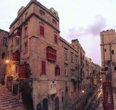 瓦莱塔街道场面在马耳他 免版税库存照片