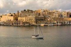 瓦莱塔,马耳他- 2015年12月27日:南部的港口看法  免版税库存照片