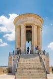 瓦莱塔,马耳他- 2016年5月05日:围困响铃战争纪念建筑 库存照片