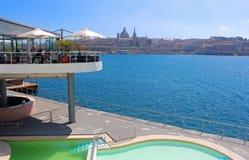 瓦莱塔,马耳他,从斯利马的看法 免版税图库摄影