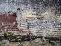 瓦解的墙壁 免版税库存图片