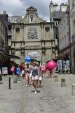 瓦讷,布里坦尼,法国的历史中心的入口门 免版税库存照片