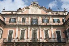 瓦雷泽意大利:Palazzo Estense,主持城镇厅 免版税库存照片