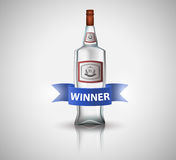瓶与最高荣誉的伏特加酒,隔绝在白色 海报或小册子模板 库存照片