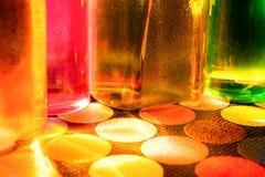 瓶五颜六色的水 免版税库存图片