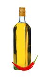 瓶伏特加酒用红辣椒 库存照片