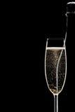 瓶充分香槟槽 免版税库存图片