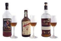 瓶兰姆酒 免版税库存图片