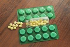 瓶医学和包装片剂 库存照片