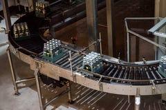 瓶啤酒生产 图库摄影