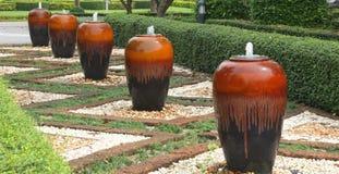 瓶子喷泉 免版税库存图片