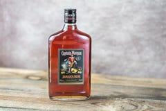 瓶摩根Rum上尉 库存图片
