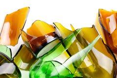 瓶棕色绿色回收了打碎 图库摄影