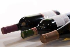 瓶水平的三酒 免版税库存照片