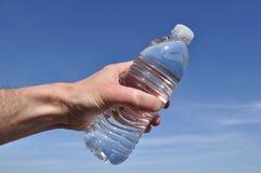 瓶现有量提供的水 库存图片