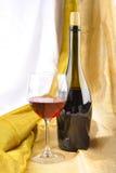 瓶红葡萄酒 图库摄影