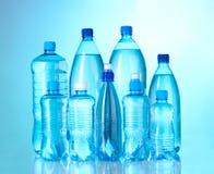 瓶组塑料水 免版税库存照片