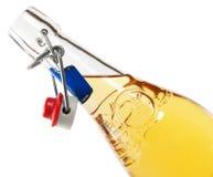 瓶经典法国柠檬水 免版税库存图片