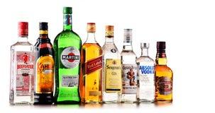 瓶被分类的全球性酒品牌 免版税图库摄影