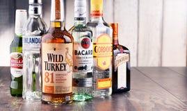 瓶被分类的全球性烈酒品牌 库存图片