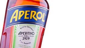 瓶Aperol,意大利开胃酒由堪蓓莉开胃酒生产了 免版税图库摄影