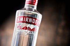 瓶Smirnoff红色标签伏特加酒 免版税库存照片