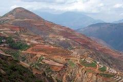 瓷五颜六色的dongchuan农田 库存照片