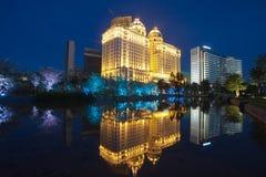 瓷城市guanghzou晚上场面 图库摄影