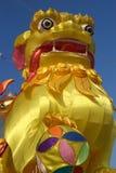 瓷巨大的轻的狮子 库存照片