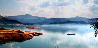 瓷广东湖wanlvhu 免版税库存图片