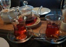 瓷断送新瓷草莓茶时间 库存图片