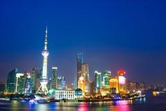 瓷晚上上海视图 库存图片