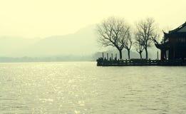 瓷西方杭州的湖 免版税库存图片