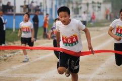 瓷野外比赛短跑学员跟踪 库存图片