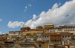 瓷la修道院shangri songzanlin藏语 免版税库存照片
