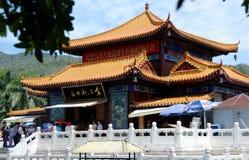 瓷nanshan萨尼亚寺庙 免版税图库摄影